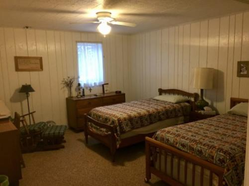 Hans guest room