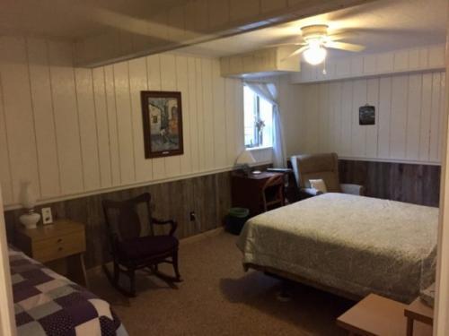 Julian guest room